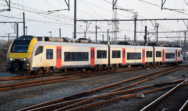 https://photos.smugmug.com/RailSceneEurope/RSE-Brugge-Oostende/i-Mbhjt2v/0/646082b5/L/DSC_0245%20%281280x756%29-L.jpg