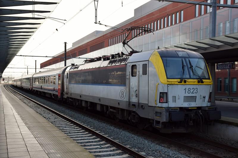 https://photos.smugmug.com/RailSceneEurope/RSE-Brugge-Oostende/i-kPfFx88/0/dbf07cf7/L/DSC_0150%20%281280x853%29-L.jpg