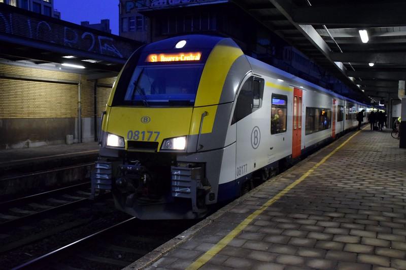 https://photos.smugmug.com/RailSceneEurope/RSE-Brussels-20th-January-2020/i-R7QzM6t/0/684328dc/L/DSC_0002%20%281280x853%29-L.jpg