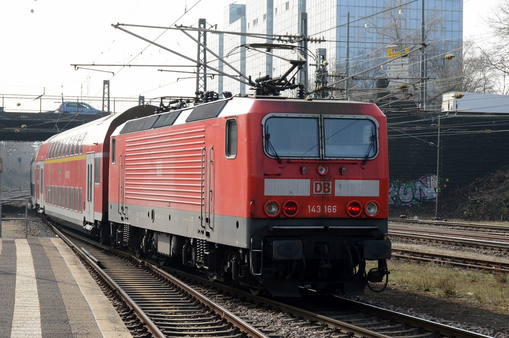 https://photos.smugmug.com/RailSceneEurope/RSE-Frankfurt-Hessen-March-2017/i-MTHnGvv/0/e2a9371c/XL/DSC_0109%20%281280x851%29-XL.jpg