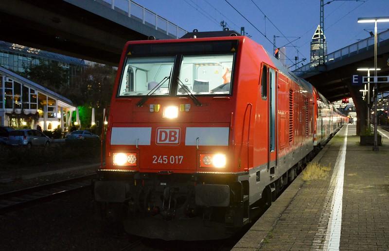 https://photos.smugmug.com/RailSceneEurope/RSE-Frankfurt-November-2017/i-3sj4FsN/0/812115bc/L/DSC_0265%20%281280x829%29-L.jpg