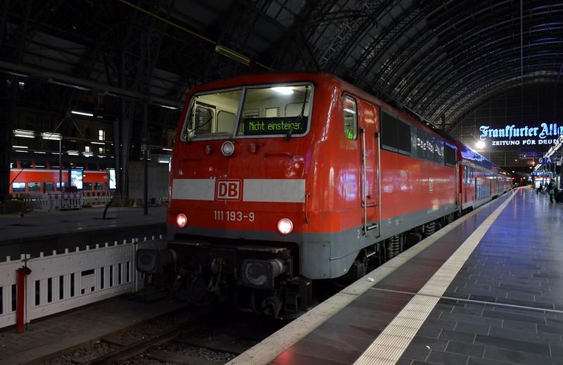 https://photos.smugmug.com/RailSceneEurope/RSE-Frankfurt-November-2017/i-4wh6wJJ/0/3905e22b/L/DSC_0306%20%281280x830%29-L.jpg