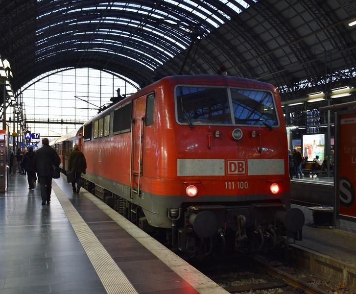 https://photos.smugmug.com/RailSceneEurope/RSE-Frankfurt-November-2017/i-6jDXDtj/0/0f7920a0/L/DSC_0260%20%281280x1057%29-L.jpg