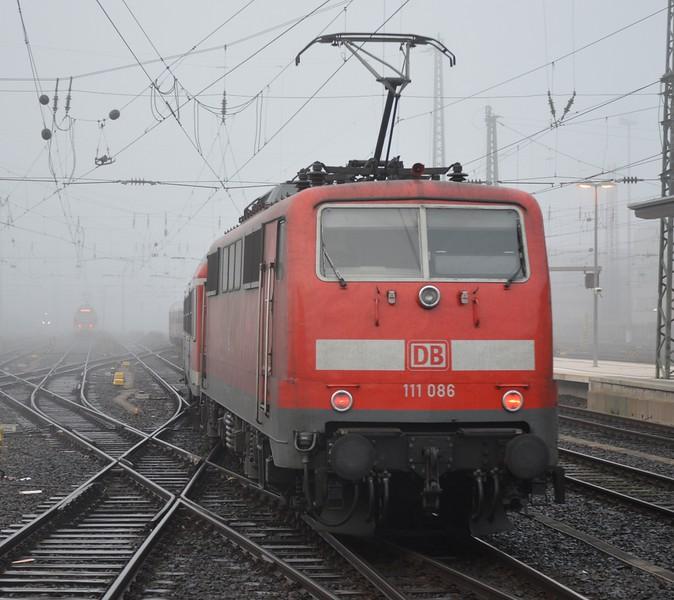 https://photos.smugmug.com/RailSceneEurope/RSE-Frankfurt-November-2017/i-ZNs5GxT/0/73b2d08a/L/DSC_0013%20%281280x1139%29-L.jpg