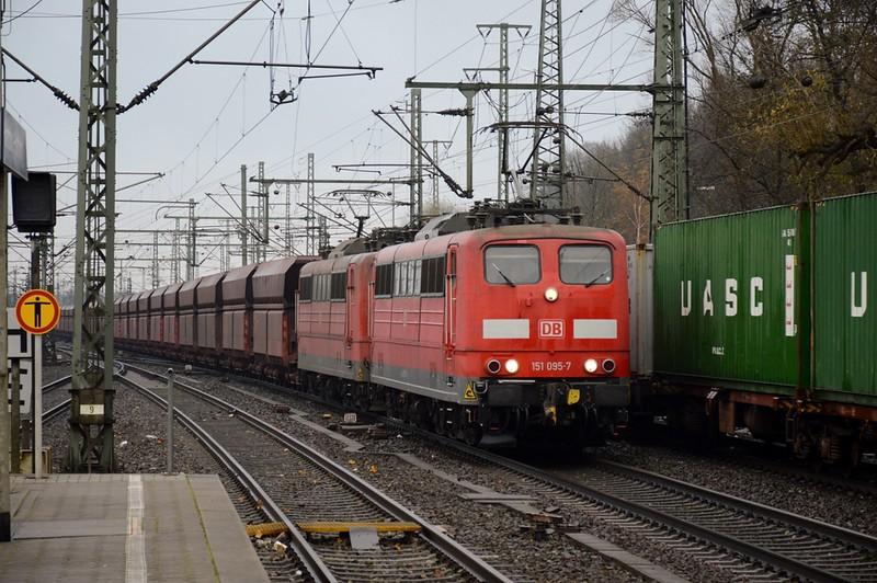 https://photos.smugmug.com/RailSceneEurope/RSE-Hamburg-Area-15-16-November-2017/i-6FtjG4h/0/edeb6f20/L/DSC_0112%20%281280x851%29-L.jpg