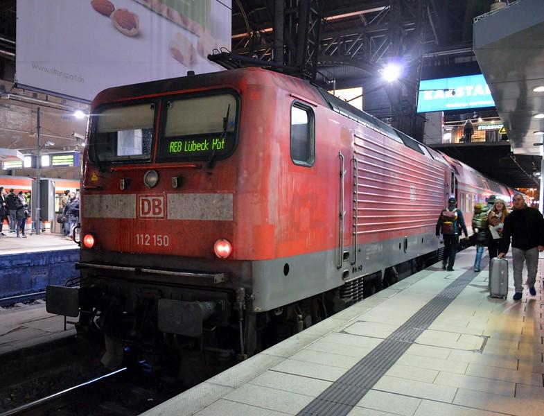 https://photos.smugmug.com/RailSceneEurope/RSE-Hamburg-Area-15-16-November-2017/i-xTjvH3d/0/5b9e379a/L/DSC_0316%20%281280x978%29-L.jpg
