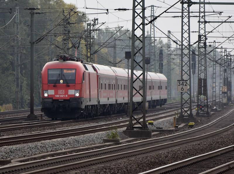 https://photos.smugmug.com/RailSceneEurope/RSE-Hamburg-Harburg-October-2018/i-j9dpgS5/0/88ddad07/L/DSC_0273%20%281280x952%29-L.jpg
