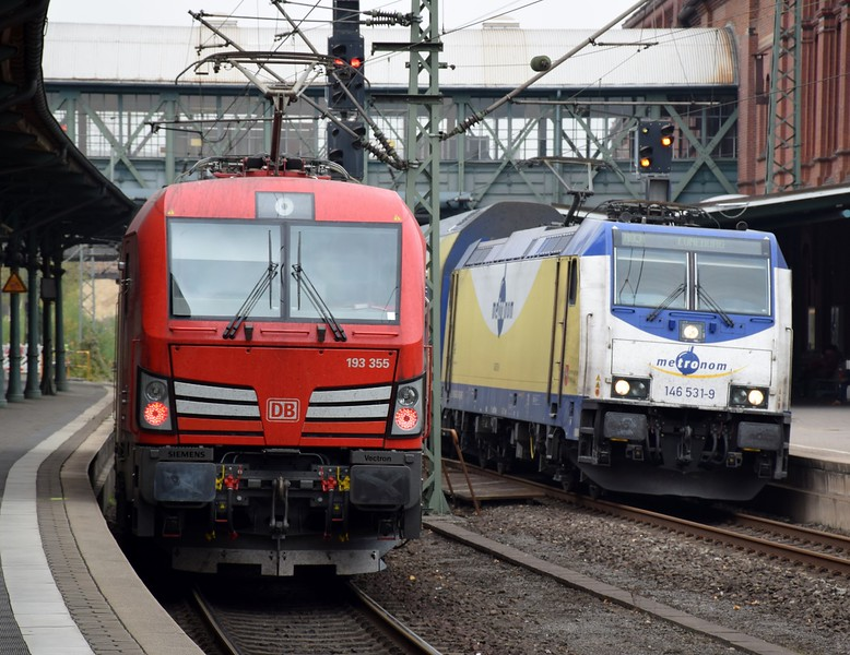 https://photos.smugmug.com/RailSceneEurope/RSE-Hamburg-Harburg-October-2018/i-k9vrqXQ/0/897b6264/L/DSC_0296%20%281280x987%29-L.jpg