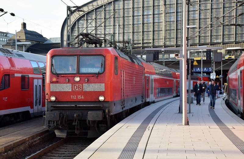 https://photos.smugmug.com/RailSceneEurope/RSE-Hamburg-Hbf-19th-October-2018/i-Gkkq5DX/0/5e861959/L/DSC_0222%20%281280x831%29-L.jpg