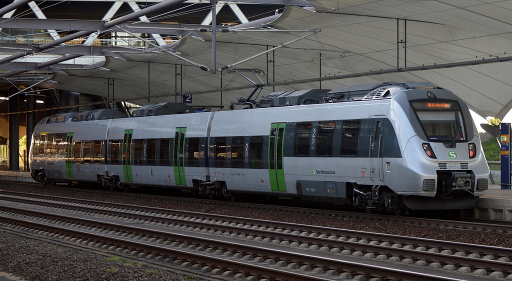 https://photos.smugmug.com/RailSceneEurope/RSE-Leipzig-and-Saxony/i-86TjmLC/0/022966e5/XL/DSC_0463%20%281280x702%29-XL.jpg