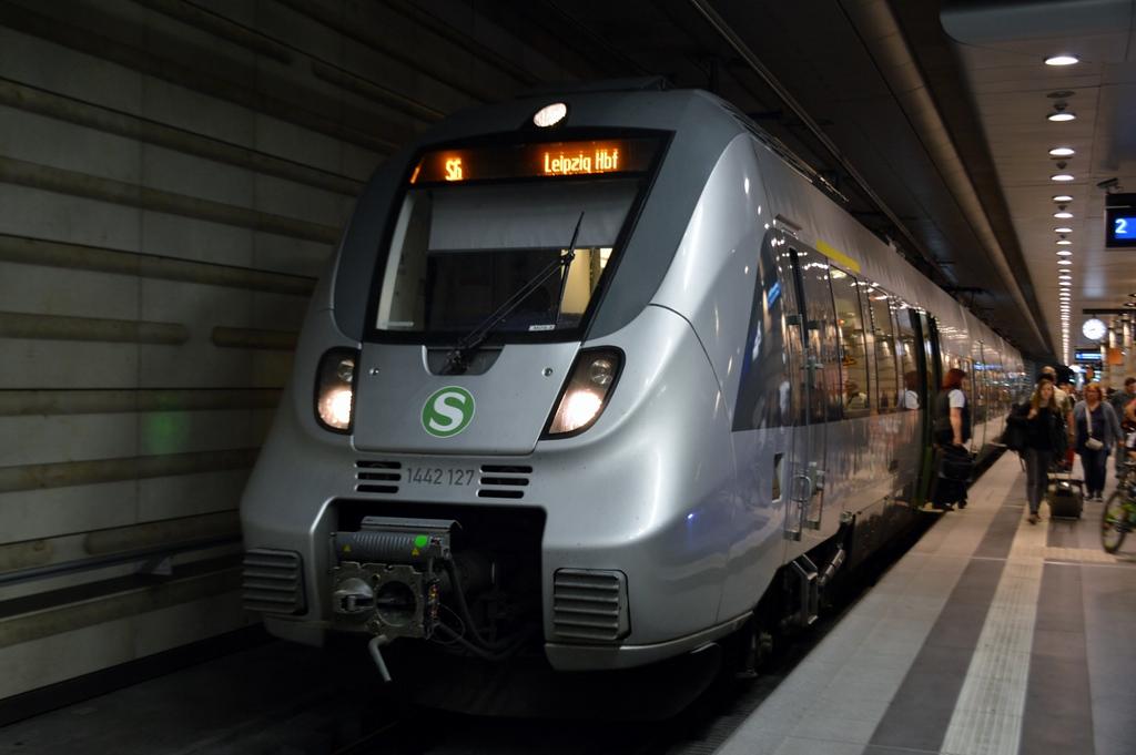 https://photos.smugmug.com/RailSceneEurope/RSE-Leipzig-and-Saxony/i-bSZd34G/0/c074a160/XL/DSC_0859%20%281280x851%29-XL.jpg