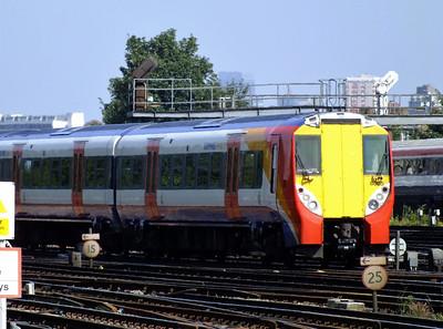 458005 Clapham Junction 21 August 2013