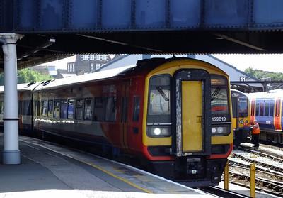 159019 Clapham Junction 21 August 2013