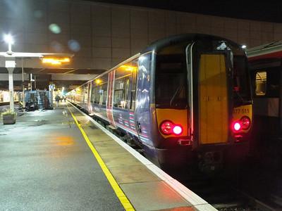 377 511 Gatwick Airport 29 December 2012