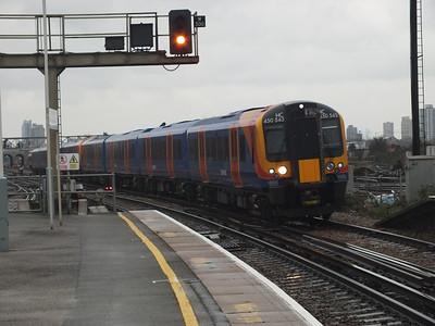 450 543 Clapham Junction 29 December 2012