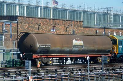 BT85937 Neasden Depot 14 July 2014