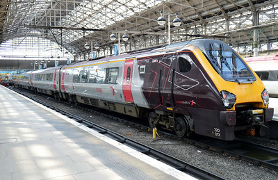 220 013 Manchester Piccadilly 22 June 2014