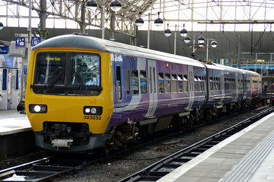 323 232 Manchester Piccadilly 22 June 2014