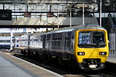 323 236 Manchester Piccadilly 22 June 2014