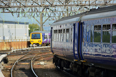 156 483 leaves Manchester Piccadilly 22 June 2014