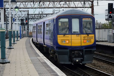 319 364 Manchester Piccadilly 22 August 2016