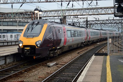 221 140 Manchester Piccadilly 22 August 2016