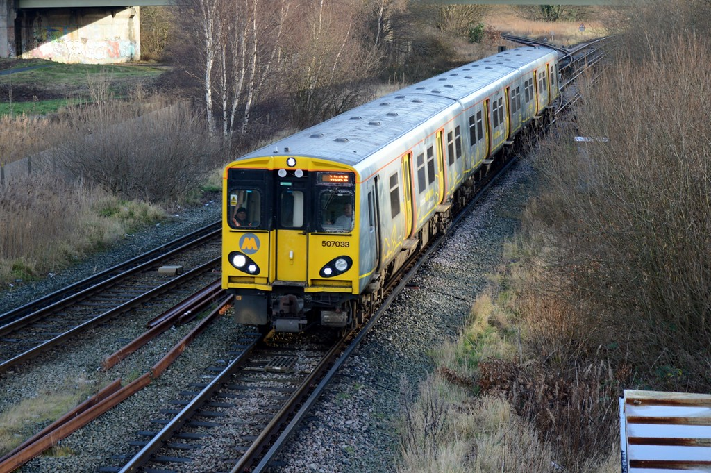 https://photos.smugmug.com/RailSceneEurope/RSE-Merseyside-28th-December-2017/i-KrfPqzp/0/f96c443f/XL/DSC_0157%20%281280x851%29-XL.jpg