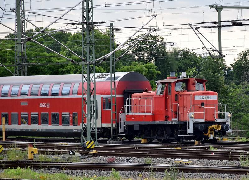 https://photos.smugmug.com/RailSceneEurope/RSE-Stuttgart-June-2019/i-BpX8Sft/0/6edc5477/L/DSC_0051%20%281280x922%29-L.jpg