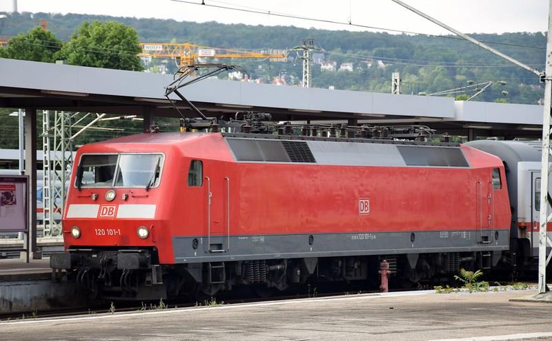 https://photos.smugmug.com/RailSceneEurope/RSE-Stuttgart-June-2019/i-wdp3hrD/0/a1d994e1/L/DSC_0010%20%281280x793%29-L.jpg