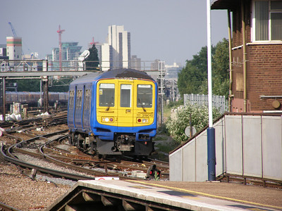 319 010 Clapham Junction 12 June 2007