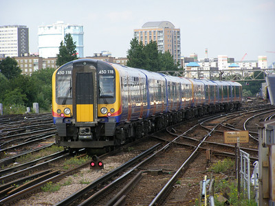 450 118 Clapham Junction 12 June 2007