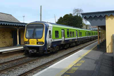 29114 departs Rush and Lusk with the 12:25 Dublin Pearse to Drogheda. Wednesday, 06/04/11