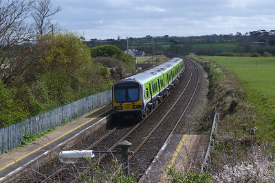 29110 on the 14:15 Drogheda to Dublin Pearse. Gormanston, Monday, 04/04/11
