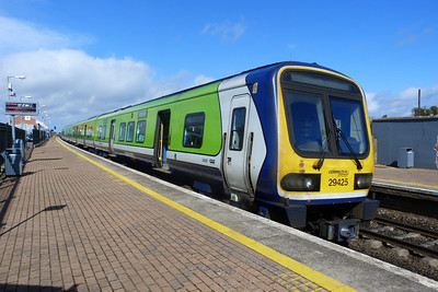 29425 with the 12:25 Dublin Pearse to Drogheda. Gormanston, Monday, 04/04/11