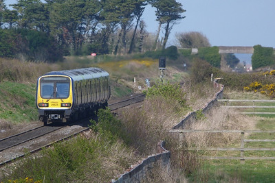 29425 after departing the station and heading for Drogheda. The Mosney loop is just pass the bridge. Gormanston, Monday, 04/04/11