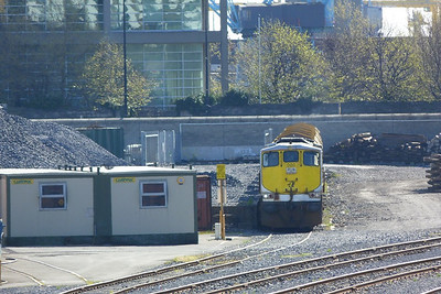 080 with the Autoballasters in the yard at North Wall, Wednesday, 11/04/12