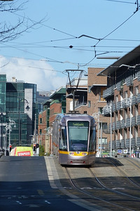 3006 crosses the Royal Canal in the IFSC, Wednesday, 11/04/12