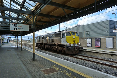 076 is seen at the former GNR(I) terminus at Howth, Monday, 09/04/12