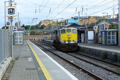 076 is seen with part of Howth head in the background, Monday, 09/04/12