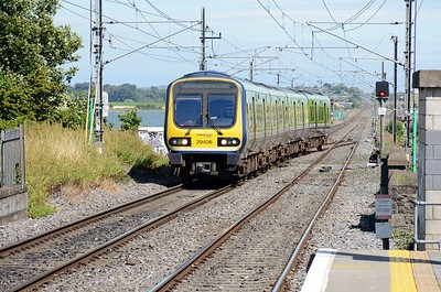 29406 arrives wrong line into Malahide 6 August 2016