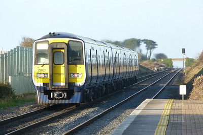 2807 departs on the 13:30 Dublin Pearse to Drogheda, Gormanston, Wednesday, 07/12/11