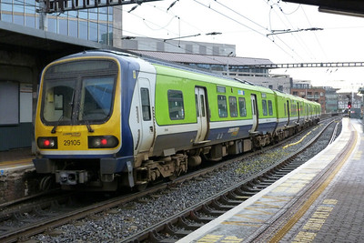 29105 waiting at the red signal with an ECS to Dublin Pearse. Tara Street, Sunday 04/12/11
