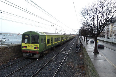 8608 working a southbound service into Dun Laoghaire, Thursday, 08/12/11