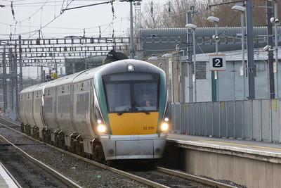 22018 again, this time on a test run to Drogheda/Dundalk. Clontarf Road, Thursday, 08/12/11