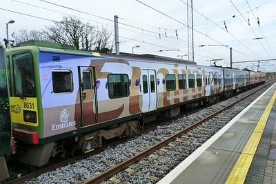 8631 in an 'Emirates' theme, Howth, Thursday, 08/12/11