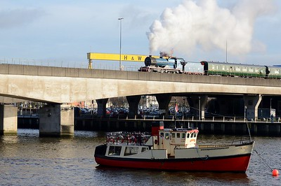 No. 85 crosses the Lagan Bridge 16 December 2017