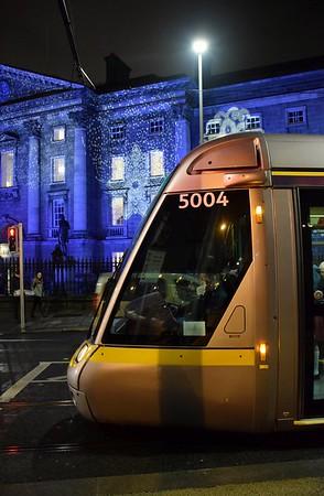 5004 passes Trinity College 5 December 2018