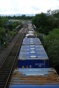 The wagons as they enter the Phoenix Park Tunnel with Platform 10 at Heuston in the background. Wednesday, 04/07/12