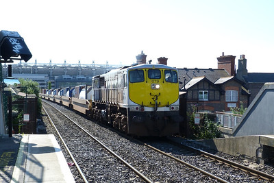 079 leads the CPWs through Drumcondra with the 09:30 IWT liner from North Wall to Ballina. Thursday, 12/07/12