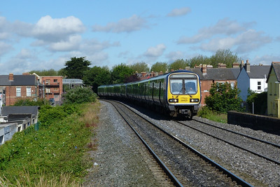 29425 arrives with the 09:10 Maynooth to Dublin Pearse. Drumcondra, Thursday, 12/07/12